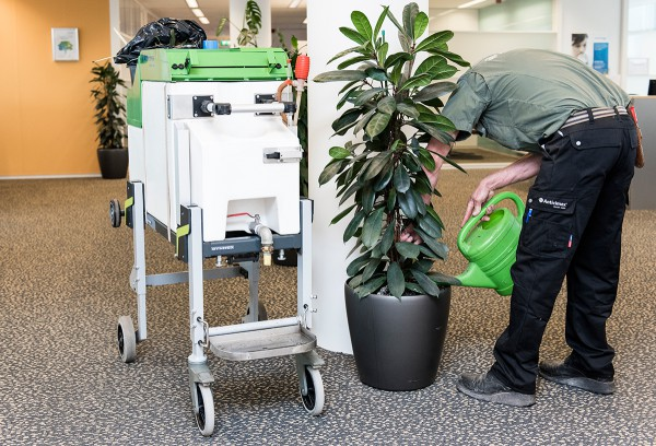 planten gieter transportsysteem bedrijfsbus bedrijfsauto