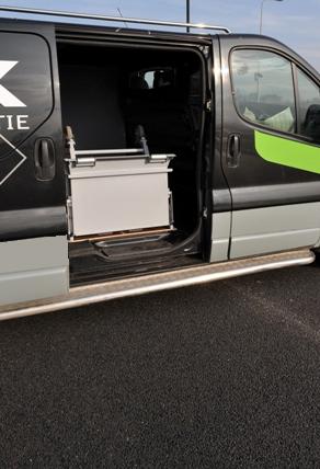 dynnox mobiele bedrijfswageninrichting uitklappen